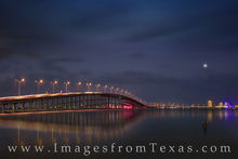 queen isabel causeway, bridge, laguna madre, south padre island, port isabel, night, heron, bird, lights, south texas, highway
