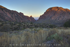 Moonset over the Window at Big Bend 2