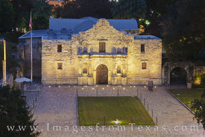 The Alamo at Night 1121-1
