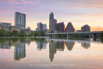 austin skyline photos,lady bird lake,lady bird lake photos,sculling,austin scullers,austin recreation images,austin sunrise