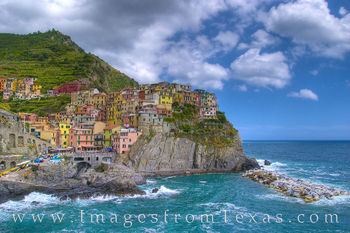 cinque terre, italy, italian rivera, manarola, Via dell' Amore, ligurian sea, cinque terre national park, pastel houses, sea, ocean, cliffs