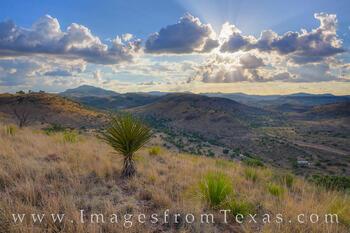Davis Mountains photos, Davis Mountains overlook, Texas state parks, Davis Mountains state park, west texas, texas hikes, exploring texas