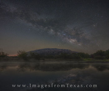 milky way, texas hill country, enchanted rock, moss lake, texas state parks, texas lakes, night sky, dark skies