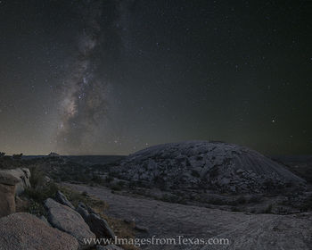 milky way,texas hill country,enchanted rock,texas milky way,texas landscapes,milky way images