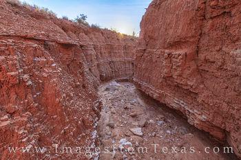 caprock canyon, dry wash, sunburst, caprock canyons state park, texas state parks, morning light