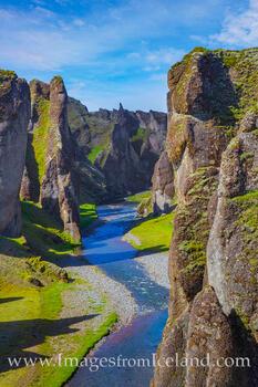 Fjaðrárgljúfur Canyon 1