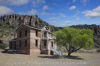 fort davis, fort davis photos, officers quarters, davis mountains, texas history