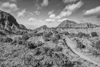 caprock canyons, hiking, exploring, north prong trail, west texas, late morning, black and white