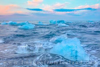 Icebergs on Diamond Beach 5