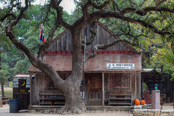 luckenbach texas,luckenback post office,texas hill country