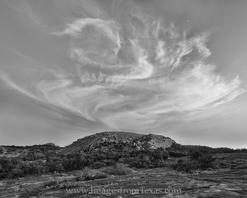 texas black and white,black and white images,enchanted rock,texas hill country images,enchanted rock state park,enchanted rock images,texas landscapes