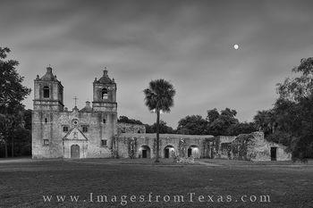 san antonio mission, black and white, mission images, Mission Nuestra Señora de la Purísima Concepción de Acuña, Mission Concepcion, San Antonio, San Antonio images, san antonio prints san antonio pho