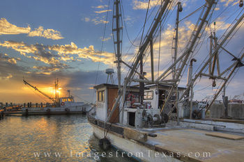 rockport harbor, rockport photos, texas coast, port aransas, aransas pass, fulton, shrimp boats, shrimp boat photos, texas boats, texas sunrise, texas gulf