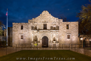 the alamo,alamo at night,alamo tombstones,san antonio images
