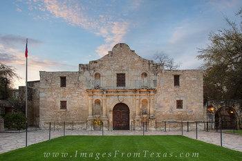 alamo,san antonio,alamo plaza,riverwalk,texas history,spanish missions