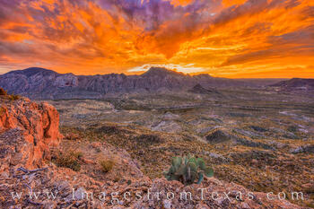 fresno canyon, solitario, hiking, big bend ranch, fresno rim, presidio, brewster, dirt road, west texas, sunrise, beautiful, sky