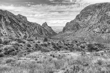 big bend in black and white,black and white,big bend national park,the window,texas landscapes