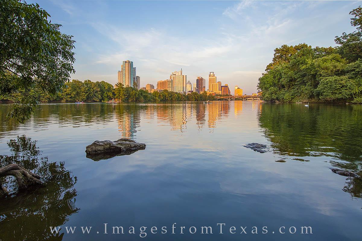 austin skyline, lady bird lake, zllker park hike and bike trail, zilker park, downtown austin, austin texas, austin photos, austin skyline pictures, photo