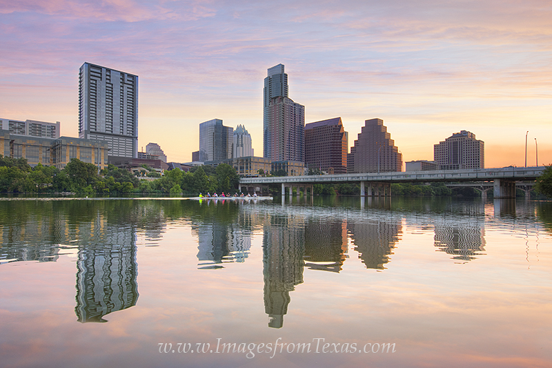 austin skyline photos,lady bird lake,lady bird lake photos,sculling,austin scullers,austin recreation images,austin sunrise, photo