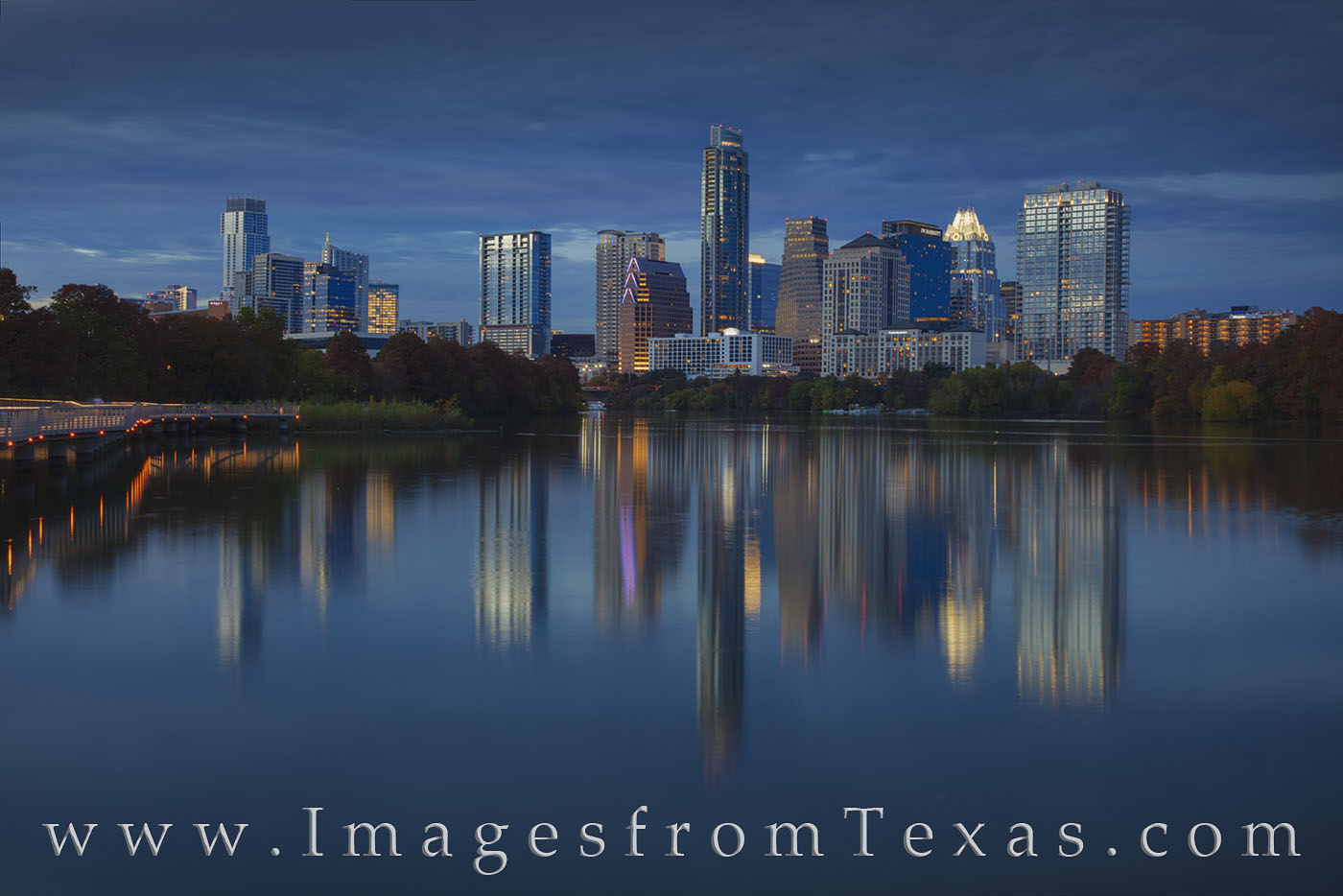 austin skyline, ladybird lake, boardwalk, panorama, austonian, jenga, frost tower, evening, fall, autumn, night, november, photo