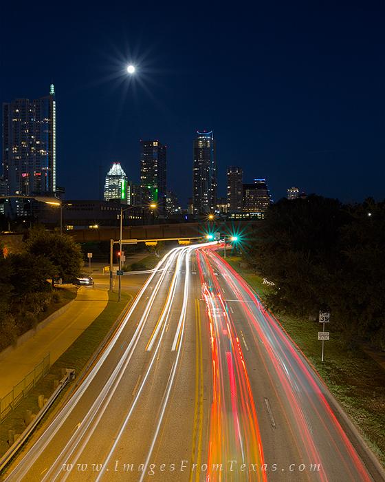 austin skyline photos,austin skyline from cesar chavez,nighttime view of downtown Austin, photo