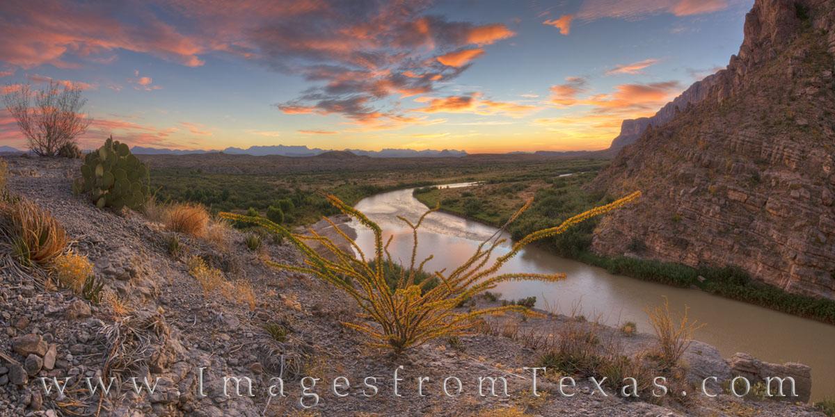 Santa Elena Canyon, big bend canyon, canyon, rio grande, chihuahuan desert, mexico, big bend national park, big bend river, chisos mountains, hiking texas, texas hikes, hikes, texas adventures, outdoo, photo