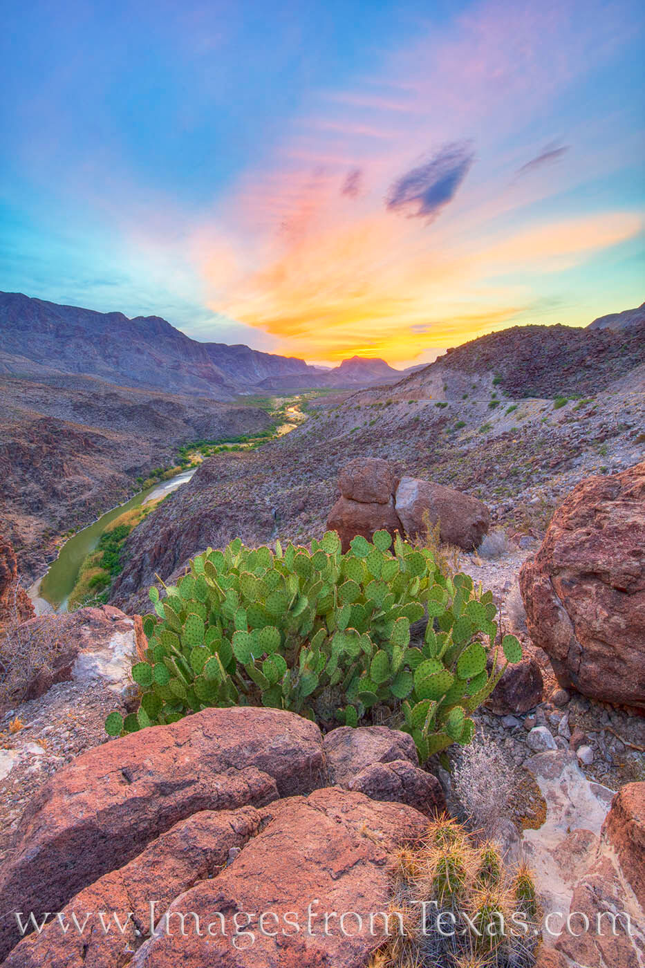 Big Bend Ranch State Park is a pleasure to explore, and some of the best views are easily accessible. One of my favorite locations...
