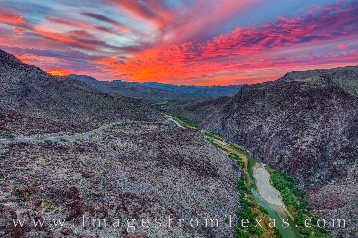 Dom rock, big bend ranch, rio grande, mexico, texas, landscapes, big hill, FM 170, presidio, lajitas, vistas, west texas, photo
