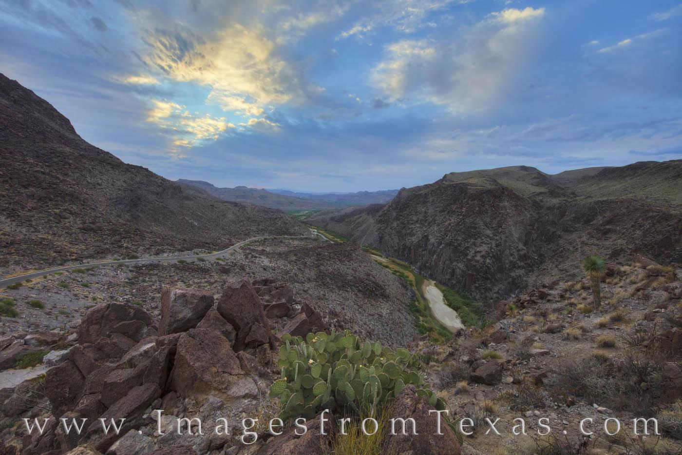 Big Bend Rach, BBRSP, Dom rock, Big Hill, FM 170, Presidio, Lajitas, Rio Grande, Texas border, prickly pear, Texas rivers, photo