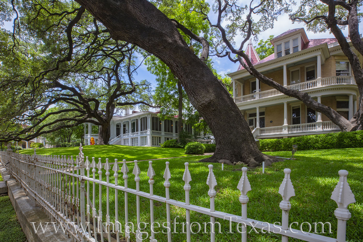 bremond, historic houses, victorian houses, austin, downtown austin, tourism, photo