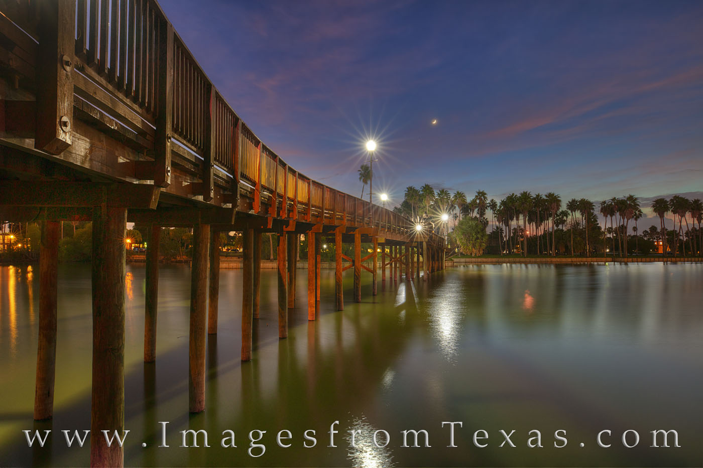 resaca, bridge, brownsville, rio grande, evening, moon, palm trees, night, footbridge, south texas, border town, southmost college, photo