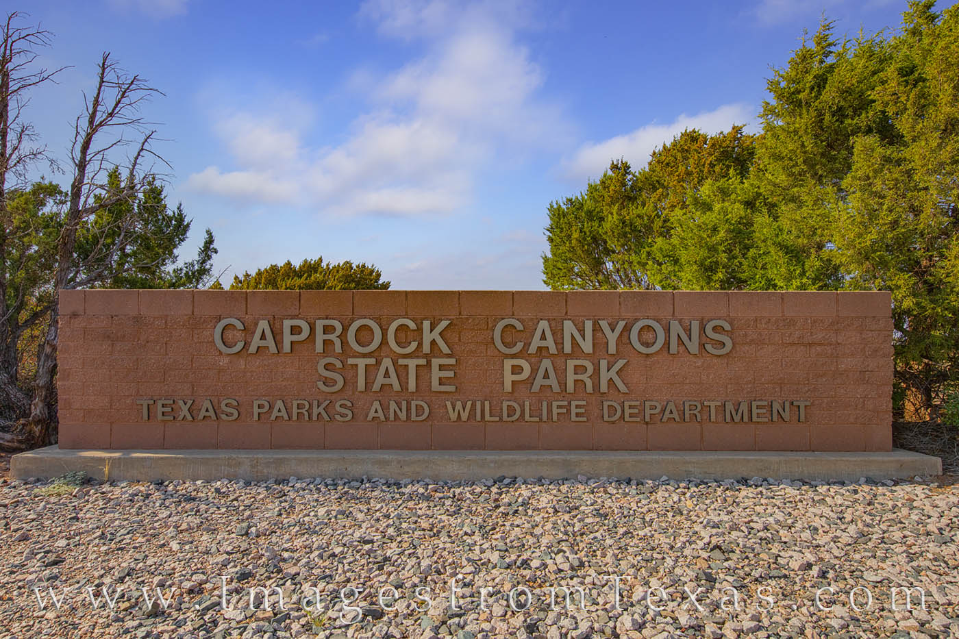 caprock canyons state park, entry sign, west texas, texas state parks, photo