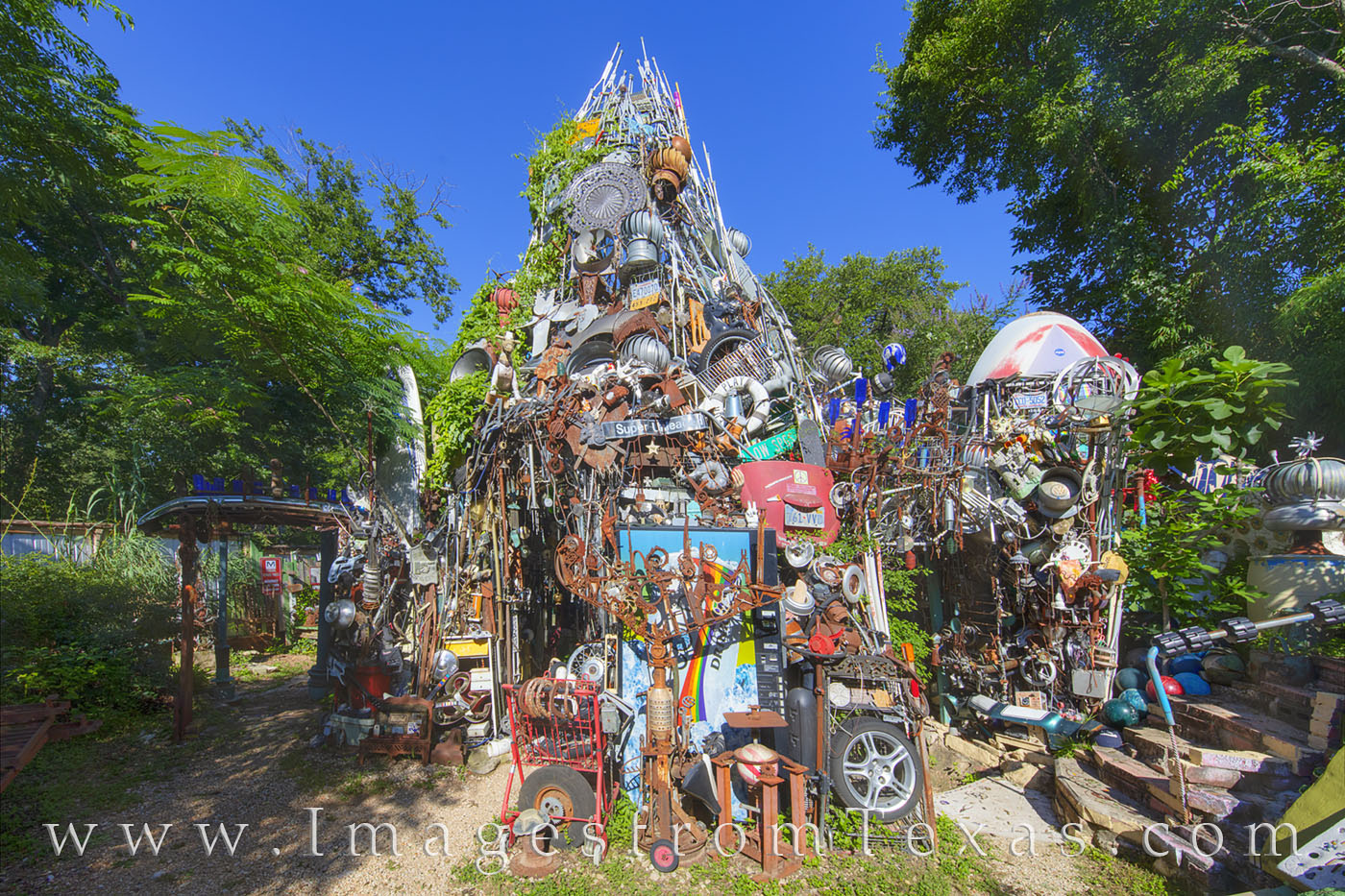 cathedral of junk, austin icons, austin texas, south austin, weird, unusual, sightseeing, photo