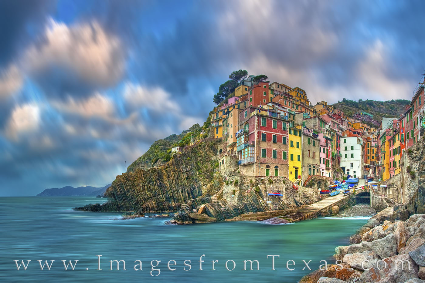 riomaggiore, cinque terre, ligurian coast, italy, italian coast, ocean, sea, ligurian sea, long exposure, morning, clouds, pastel colors, fishing, village, travels, photo
