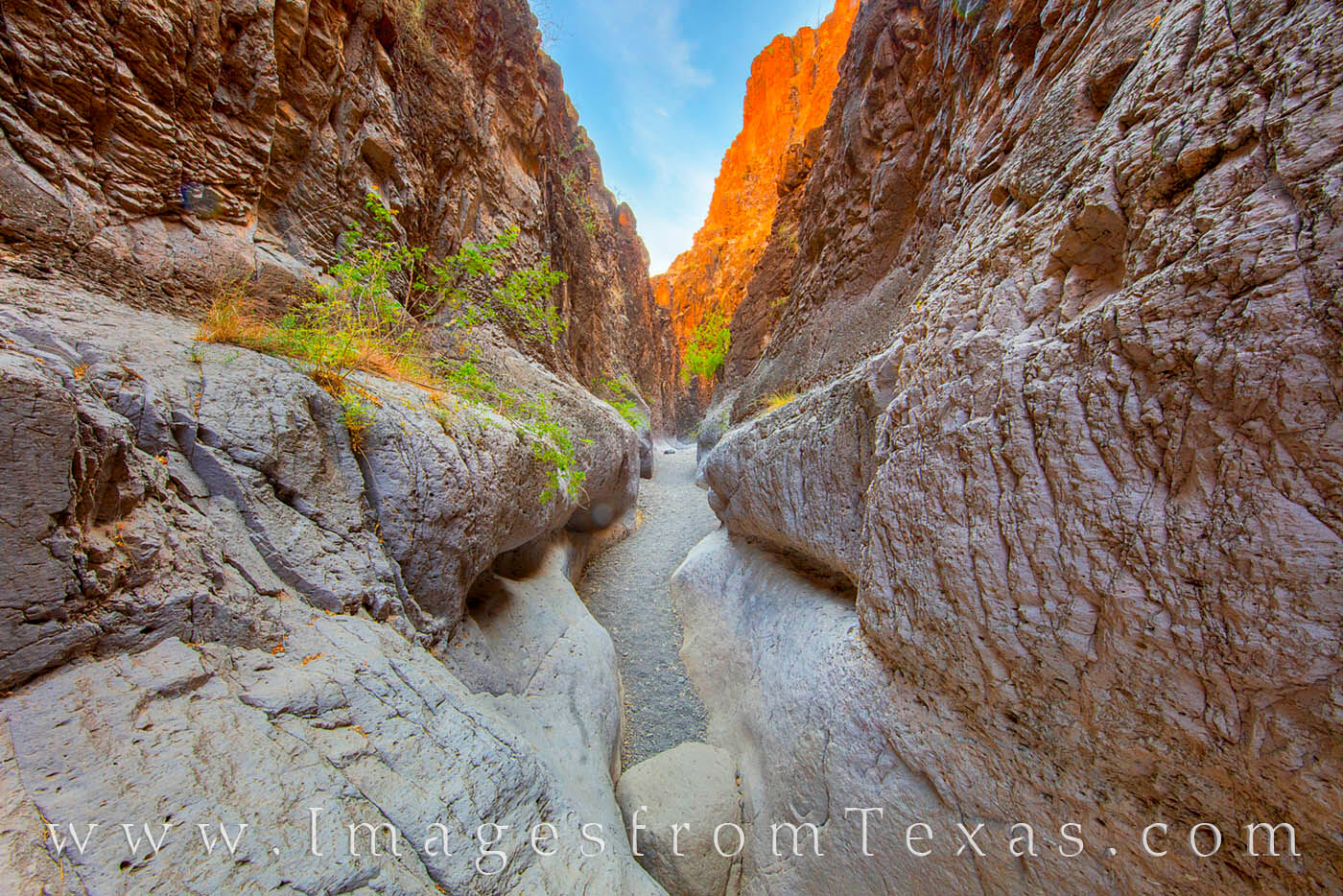 closed canyon, big bend ranch, slot canyons, texas slot canyons, rio grande, FM 170, hiking, hiking texas, exploring, photo
