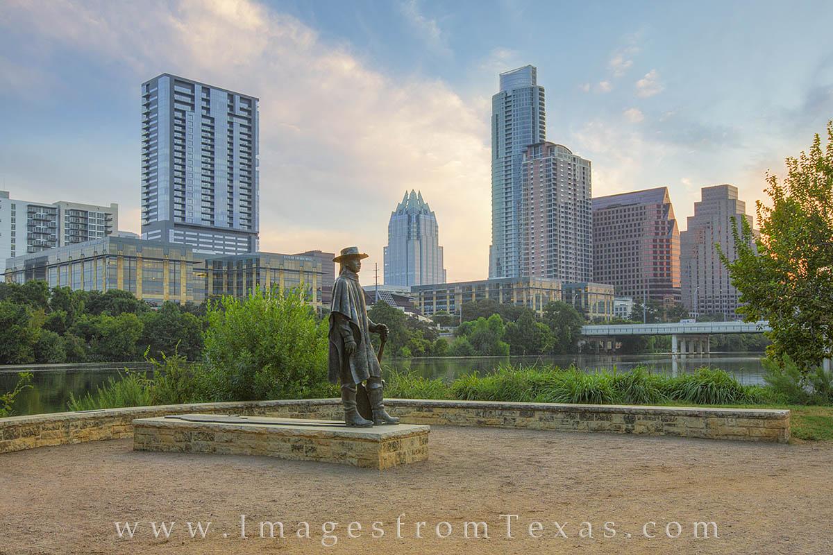 downtown austin, austin texas, austin texas photos, lady bird lake, town lake, austin skyline, stevie ray vaughan statue, SRV statue, zilker park, lady bird lake photos, photo