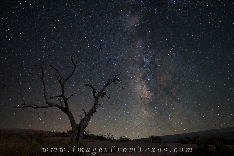 enchanted rock state park,enchanted rock,texas hill country,texas landscapes,milky way photos,milky way over texas,milky way, photo