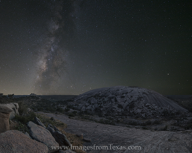 milky way,texas hill country,enchanted rock,texas milky way,texas landscapes,milky way images, photo