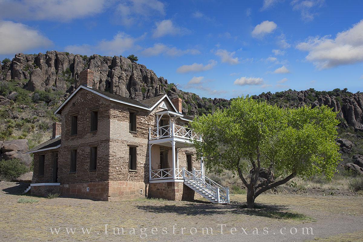fort davis, fort davis photos, officers quarters, davis mountains, texas history, photo