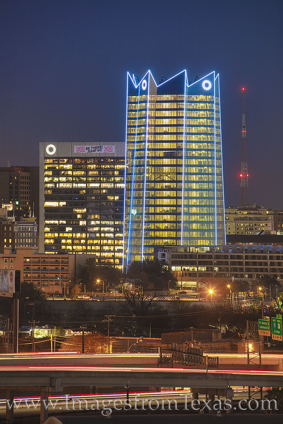 frost bank, frost tower, san antonio, high rises, skyline, skyscrapers, downtown, frost, night, photo