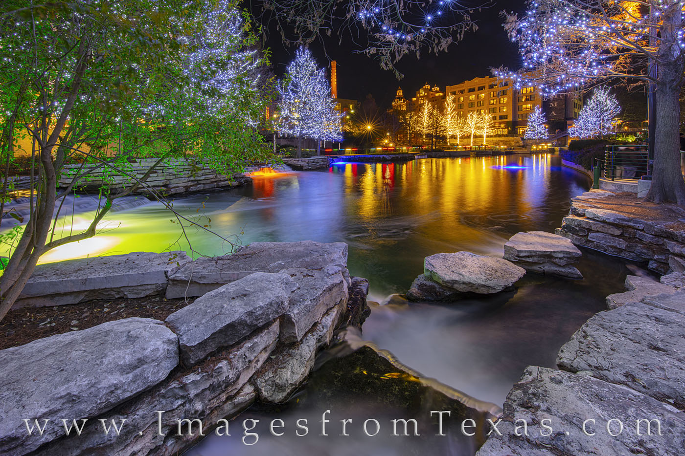 Pearl District, holiday lights, christmas, lights, holiday, san antonio river, rio taxi, december, san antonio, photo