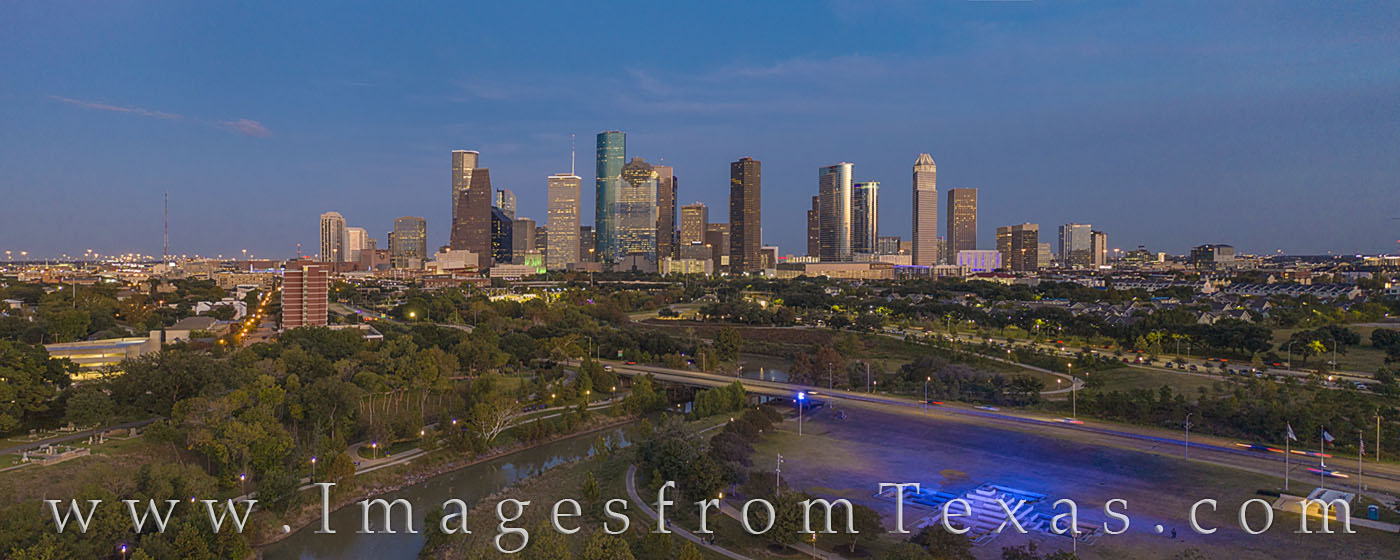houston, skyline, aerial, city, downtown, panorama, buffalo bayou, police memorial, evening, houston skyline, photo