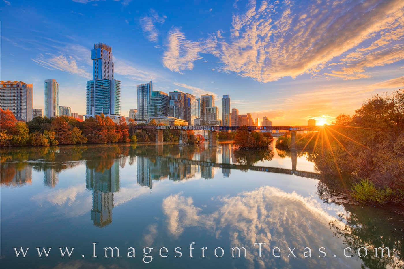 austin skyline, sunrise, pfluger bridge, pedestrian bridge, downtown austin, ladybird lake, town lake, austin, zilker park, texas sunrise, autumn, fall colors, photo