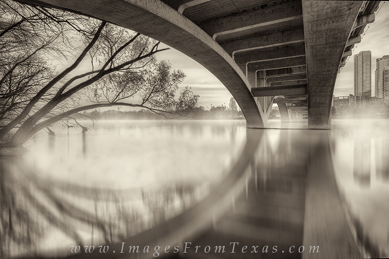 lady bird lake,zilker park,lamar bridge,austin bridges,austin skyline, photo