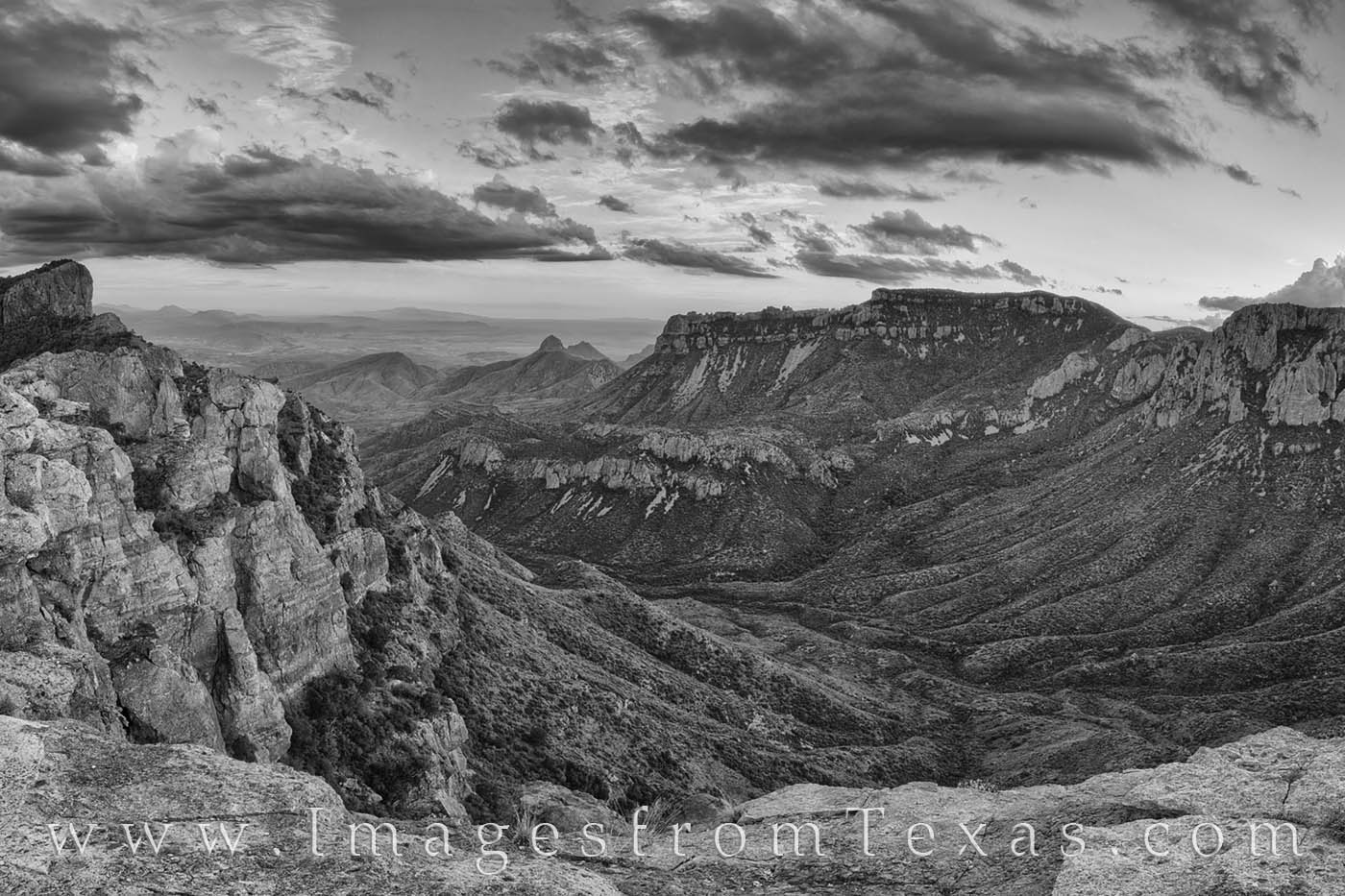 lost mine trail, big bend national park, juniper canyon, casa grande, sunset, mexico, chihuahuan desert, chisos mountains, best black and white photos, black and white prints where can I find black an, photo