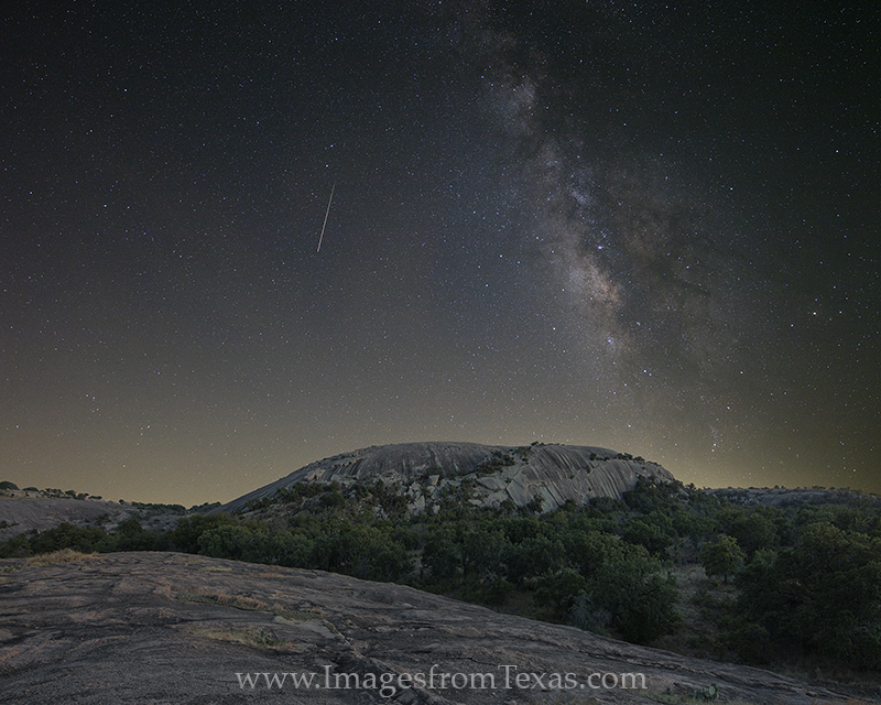 milky way,texas hill country,enchanted rock,enchanted rock images,enchanted rock prints,enchanted rock state park,hill country prints,texas at night,texas landscapes,milky way images, photo