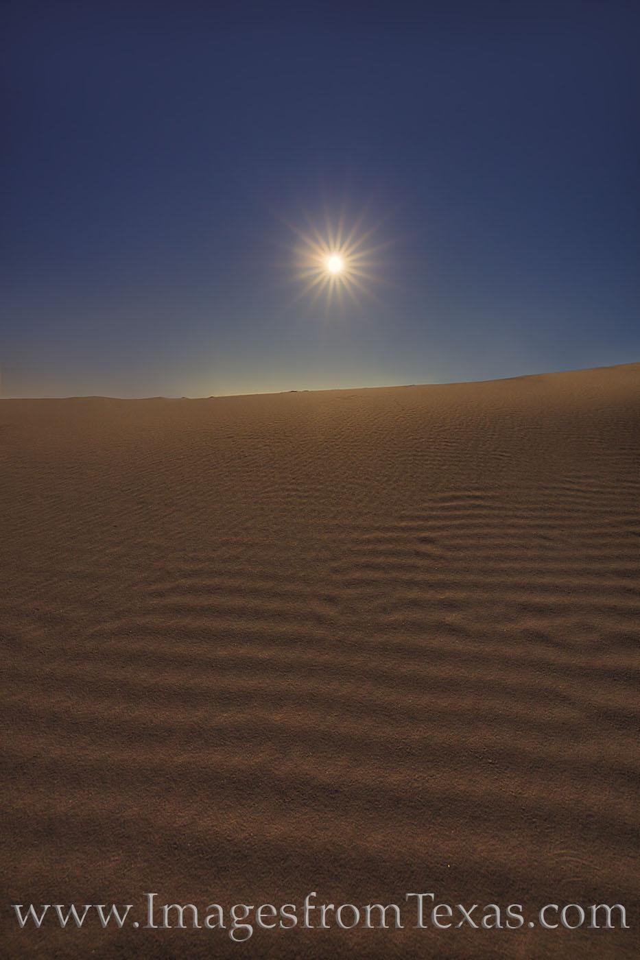 sand dunes, sandhills state park, sunrise, monahans, sand, west Texas, moon, full moon, moonset, photo
