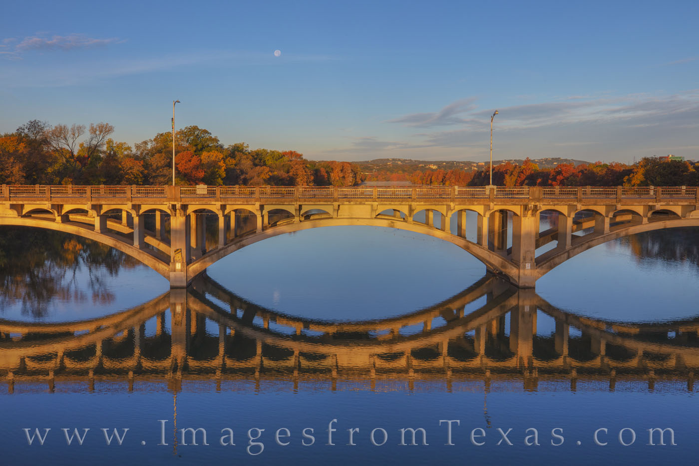 lamar bridge, austin texas, austin images, ladybird lake, full moon, november, autumn, reflection, morning, austin bridges, bridges, photo
