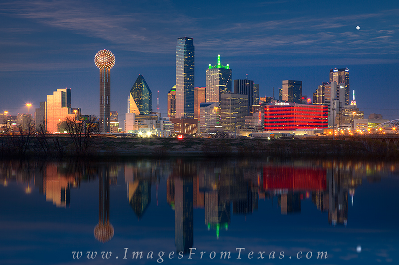 dallas cityscape,dalls skyline reflection,reunion tower,trinity river, photo