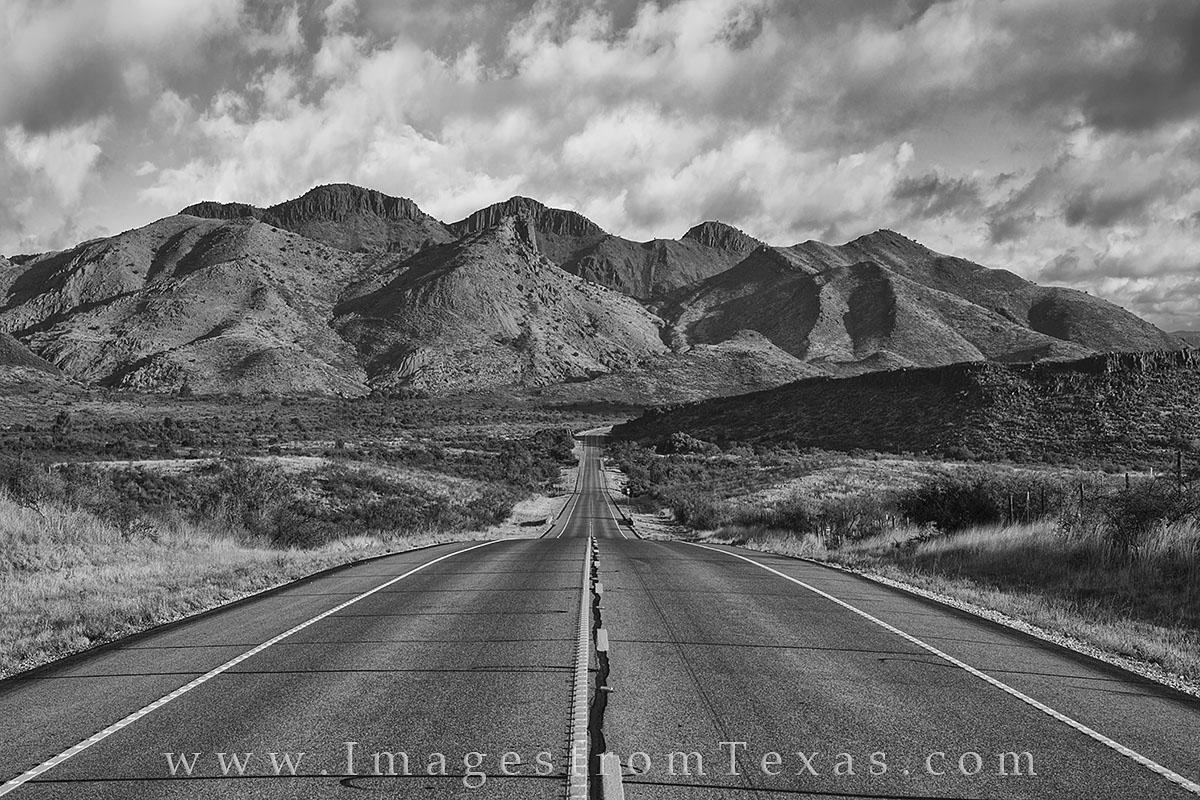 Alpine Texas, Fort Davis, 118, highway 118, black and white, Davis Mountains, Davis Mountains pictures, Texas highways, Texas roads, exploring Texas, photo